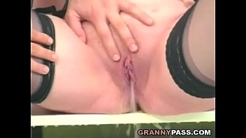 Older chubby women - Mature pissing