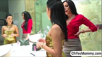 JaclynTaylor and MeganTaylor07 watermark thumbnail