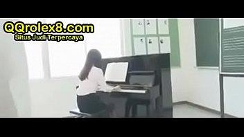 Guru Asia Montok Dilecehin Murid Kelas thumbnail
