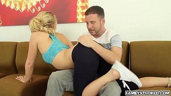 Horny hot chick Bailey Brooke loves to bang hard