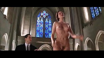 Charlize Theron - The Devil's Advocate (church)