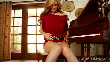 Free lingerie moms Busty milf julia ann cums on piano