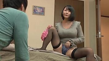 """https://bit.ly/3qKGZDQ 一边寻找大龄美女的内裤,一边说:""""这么大龄女人的内裤,你是不是很着迷?""""…从被视为女人的快感中,""""我真的没问题吗?"""" 精液剥削带着挫败感身体!一个对年轻男人想要的东西感到满意并要求插入的女人![第3部分]"""