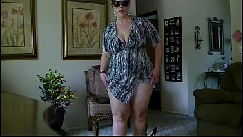 bbw milf striptease from DesireBBWs.com