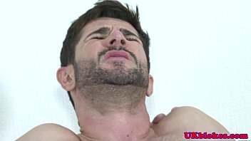 Pictures of naked gay men uk - English fudge packer bum bounces on cock