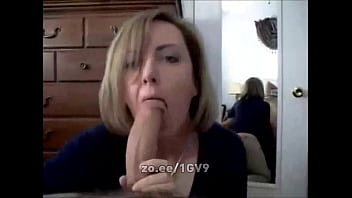 Slutty wife sucks and licks cock like a hungry nympho and takes his facial porno izle