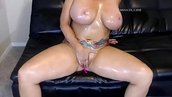 blonde mom work her perfect big body solo masturbation orgasm and squirt