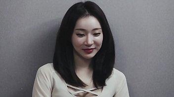 Korean Porn หนังเอวีเกาหลี2020 สาวหุ่นเซ็กซี่น่าเด้า นอนช่วยตัวเองลูบหีไม่พอใจสักที นัดหนุ่มมาเย็ดหีถึงห้อง โดนเลียหีแล้วเย็ดกระจาย