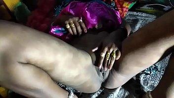 नौकरानी को पसंद आया मालिक का लंड हिंदी में अश्लील