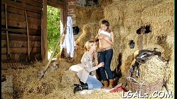 2 girls have lesbian fun