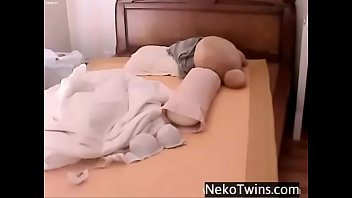 Korean Girl Playing with Herself - NekoTwins.com