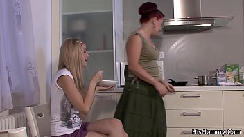Lesbian mature and blonde teen cuaght lezzing