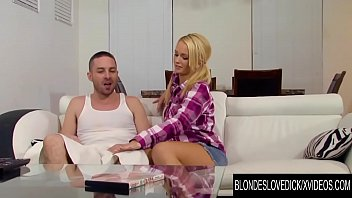 Blondes Love Dick - Emily Austin Helps Step Daddy with His Boner Porno indir