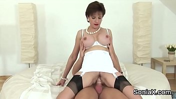 Unfaithful english mature lady sonia exposes her enormous tits