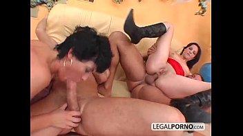 2 em 2 morenas com tesão fodido na bunda por grandes galos GB-16-03  mp4 pornhub sexo vídeo