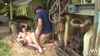 Erotic sex on the farm tube Was auf dem hof nach kameraschluß passiert - maike und holger