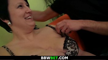 Fat brunette enjoys pussy fingering and cock riding