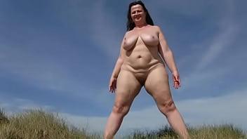 la grosse pisse dans les dunes