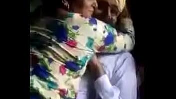 Abba Ka Dost Maa Ko Farm Pa Bula Ka Phudi Aur Gand Marta Aur Video Bi Banta
