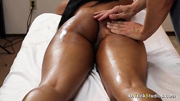 Ebony Teen Annalise Massage And Happy Ending