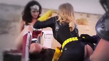 Superheroes giving blowjobs - Batgirl the dark lady rises