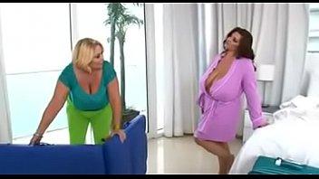 Vs chubby - Samantha vs maria moore due fantastiche tettone si scopano alla grande