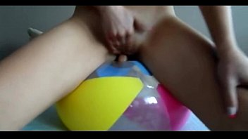Sexy singlet cute Sophie cute blondie on a baloon dildoing her pussy