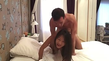 Western gusy fucks his Asian tinder date and she enjoys it Porno indir