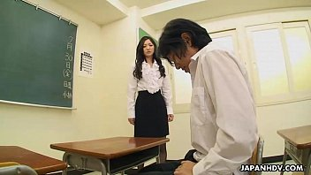 Very cute student sucking her teacher's cock off Thumb