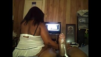 BIG BOOTY EBONY REVERSE COWGIRL WHILE WATCHING TV