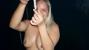 put drugs in their drunks at the party and they will be without brakes !!! Paty Butt - Melissa Alexander