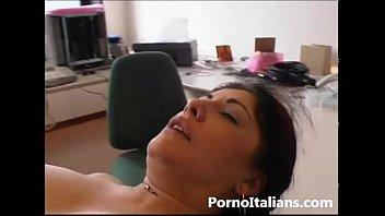 Moglie matura italiana tettona - Porno italiano - milf busty italian