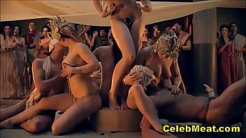Nude Celebs Laura Surrich & Lucy Lawless Sex Scenes 7分钟