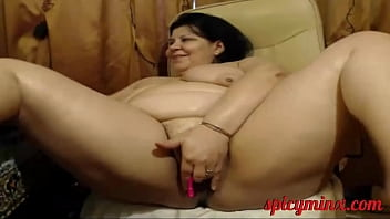 BBW Squirts on Cam thumbnail