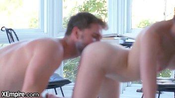 XEmpire - Inexperienced Teen Learns How To Kiss Vorschaubild