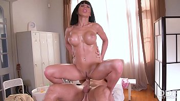 Hot Milf Valentina Ricci can't stop stuffing her deep throat with his dick