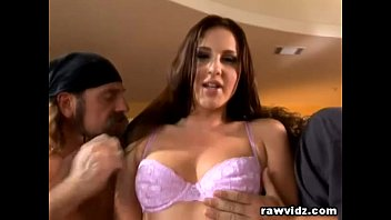 Lauren Phoenix Gorgeous brunettte enjoys hot dp
