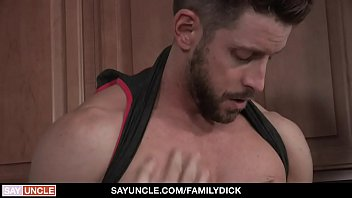 FamilyDick -  Sexy Johnny Ford Plows His Boy