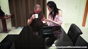 Skinny petite teen  Vera seduces senior Steve Steel