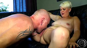 I have nice boob - Die vanni der frank die ziehen zum ficken blank - ein super geiles paar - schaut doch maaa