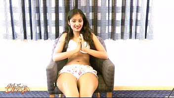 Sexy Indian Babe Divya Masturbating