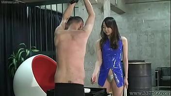 Japanese mistress risa facesitting thumbnail
