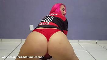 Débora Fantine - Gostosa no Brasileirão dançando Funk ( Tequileiras do Funk )