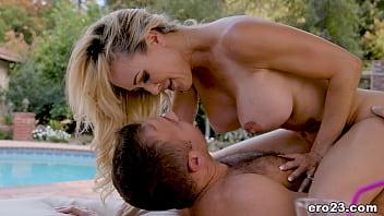 Brandi Love enjoys passionate sex 6分钟