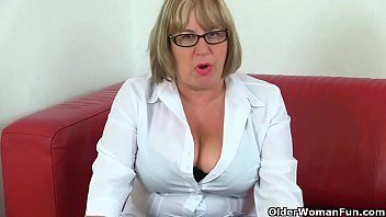 Big old hanging boobs British gilf alisha loves vibrating her clit with sex toy