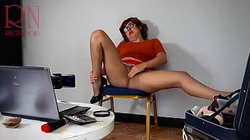 秘书。 维尔玛·丁克利秘书。 魔法维尔玛。 史酷比。 秘书试穿紧身衣。 提交。 自慰,获得高潮。 Shaggy 正在做催眠术。 Shaggy 强迫 Velma 脱衣服。 Velma 自慰并达到性高潮! 顺从,秘书,sexretary,裸体秘书,水管工,工程师,办公室性爱,裸体办公室,雇员,老板,搞笑,情景喜剧,色情情景喜剧,内衣,丝袜,尼龙,内裤,连裤袜,紧身衣 , 比基尼泳装, 女郎, 裸体的, 赤裸裸的, 6分钟
