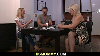 Mature poker Pussy toying after strip poker with his mom