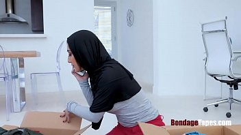 Sister Is Hijab Forced And Fucked By Brother- Jezz Beth