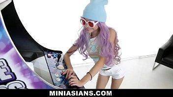 Beautiful Petite Asian Teen Takes Huge Cock In Arcade - MINIASIANS.COM
