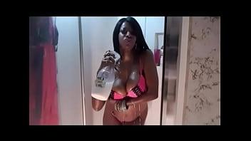 SaXXXJUST4U Erotic Wet Shower with Milk N Oil Body